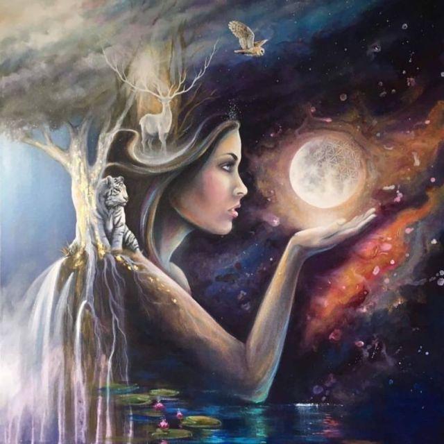 Moon art-by-linzy-arnott