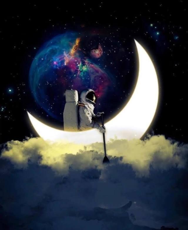 New Moon astronaut